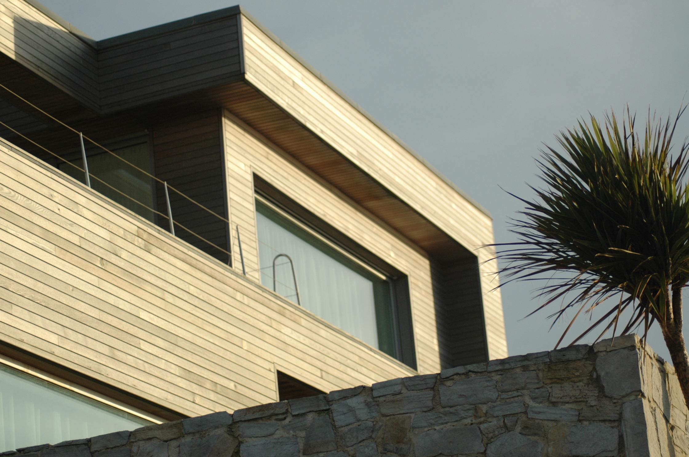maison bois plage obtenez des id es de design int ressantes en utilisant du bois. Black Bedroom Furniture Sets. Home Design Ideas